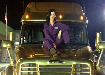 La Wraps Katy Perry Prism Golden Gold Semi Truck Wrap Hood